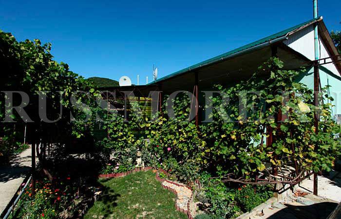Вашему вниманию предлагаем уютный гостевой дом с приветливыми криница частный сектор, отдых в кринице, поселок